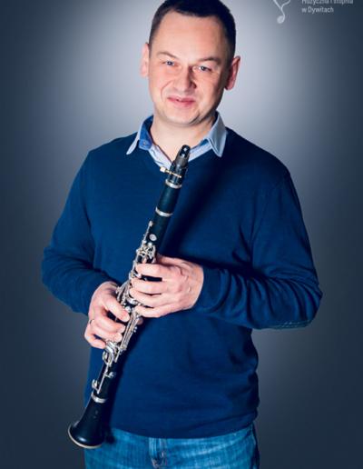 Cezary Gryc – klarnet, saksofon