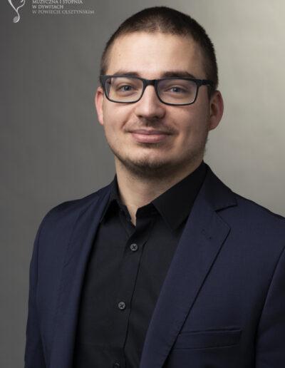 Marek Salej - fortepian główny, akompaniament