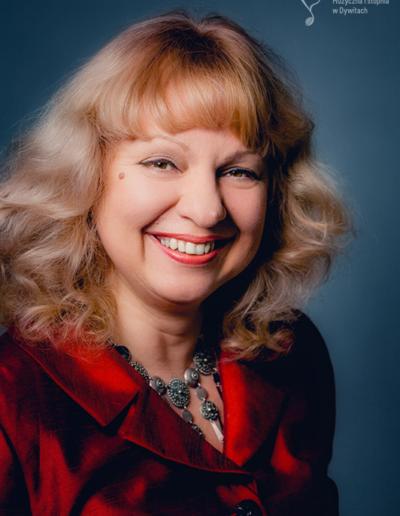 Natalya Klykova – fortepian główny, fortepian dodatkowy, akompaniament